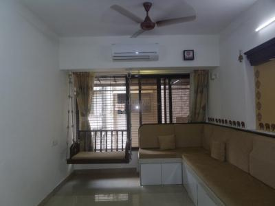 Gallery Cover Image of 600 Sq.ft 1 BHK Apartment for rent in Jai Ghanshyam, Vile Parle East for 43000