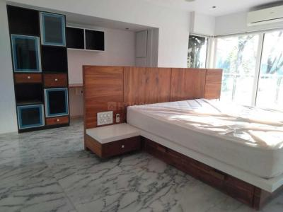 Gallery Cover Image of 2700 Sq.ft 2 BHK Apartment for rent in Chembur for 120000
