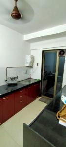 Gallery Cover Image of 1400 Sq.ft 3 BHK Apartment for rent in Runwal Symphony, Santacruz East for 65000