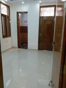 Gallery Cover Image of 1350 Sq.ft 3 BHK Apartment for buy in Niti Khand for 5600000