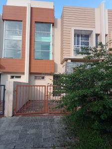 Gallery Cover Image of 1600 Sq.ft 2 BHK Independent House for buy in Salap for 4100000