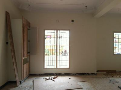 Gallery Cover Image of 900 Sq.ft 2 BHK Apartment for buy in Kolathur for 5300000