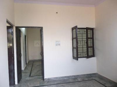 Gallery Cover Image of 900 Sq.ft 2 BHK Apartment for rent in Paschim Vihar for 13000
