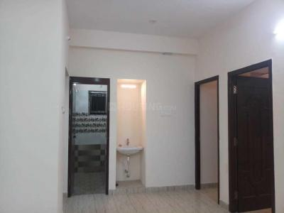 Gallery Cover Image of 1020 Sq.ft 2 BHK Apartment for rent in Ramapuram for 18000