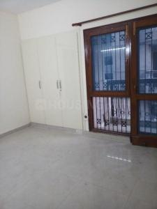 Gallery Cover Image of 1400 Sq.ft 3 BHK Apartment for rent in Mahesh Appartment, Vasundhara Enclave for 24000