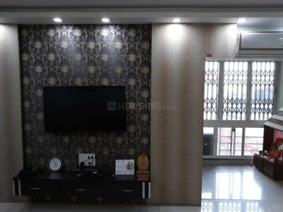 Gallery Cover Image of 1600 Sq.ft 3 BHK Apartment for rent in Lake Town for 45000