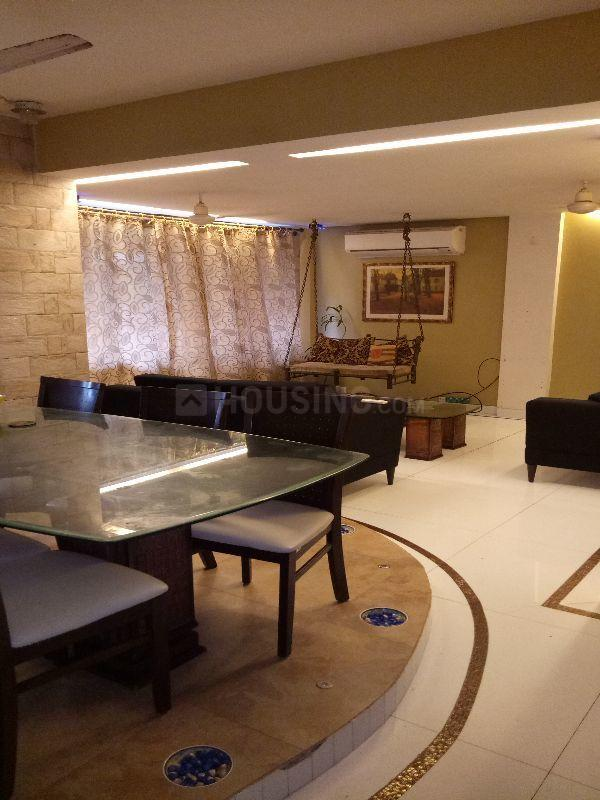 Living Room Image of 750 Sq.ft 1 BHK Apartment for rent in Worli for 60000