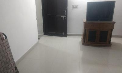 Gallery Cover Image of 1000 Sq.ft 1 BHK Independent House for rent in Sector 8 for 6800