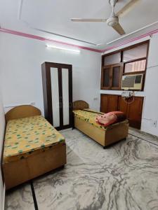 Bedroom Image of Boys PG Accomadation In Malviya Nagar in Malviya Nagar