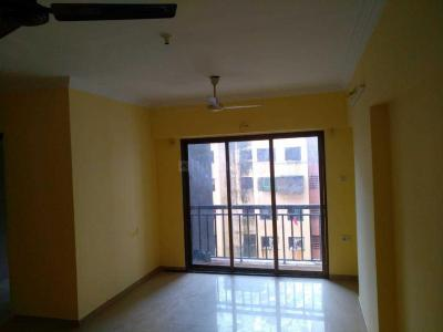 Gallery Cover Image of 1050 Sq.ft 3 BHK Apartment for rent in Kamanwala Manavsthal, Malad West for 32000