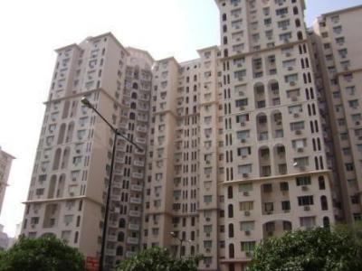 Gallery Cover Image of 1850 Sq.ft 3 BHK Apartment for buy in DLF Regency Park II, DLF Phase 4 for 21000000