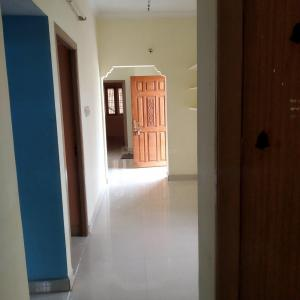 Gallery Cover Image of 1000 Sq.ft 2 BHK Independent Floor for rent in Tiruvallur for 7000