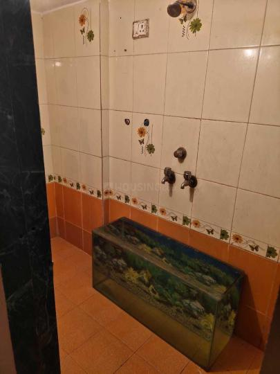 Bathroom Image of 450 Sq.ft 1 RK Apartment for rent in Kalwa for 9000