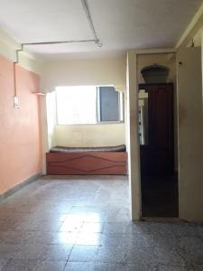 Gallery Cover Image of 340 Sq.ft 1 RK Apartment for rent in Malad West for 11000