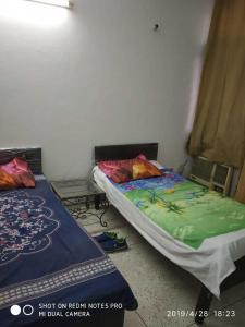Bedroom Image of Paying Guest For Girls Sector 57, 61,62,60,63,64 Gurgaon in Sector 57
