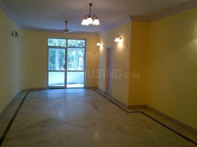 Gallery Cover Image of 1770 Sq.ft 3 BHK Apartment for rent in Silver Manor Apartment, Shanti Nagar for 39500