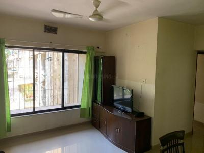 Gallery Cover Image of 700 Sq.ft 2 BHK Apartment for rent in Dahisar East for 32000