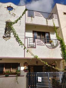 Gallery Cover Image of 2000 Sq.ft 3 BHK Independent House for buy in Kalkere for 8300000