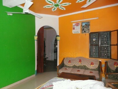 Gallery Cover Image of 1000 Sq.ft 4 BHK Independent House for buy in Rajendra Nagar for 12000000