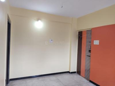 Gallery Cover Image of 450 Sq.ft 1 BHK Apartment for rent in Dattani Park, Kandivali East for 15000