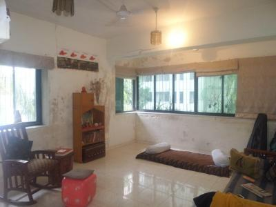 Gallery Cover Image of 750 Sq.ft 1 BHK Apartment for rent in Santacruz West for 50000
