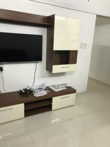 Gallery Cover Image of 950 Sq.ft 2 BHK Apartment for rent in Tardeo for 80000