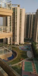 Gallery Cover Image of 1850 Sq.ft 3 BHK Apartment for buy in Gaursons Saundaryam, Noida Extension for 9970000