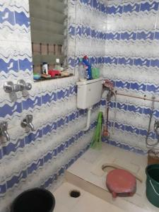 पीजी 4035759 दादर वेस्ट इन दादर वेस्ट के बाथरूम की तस्वीर