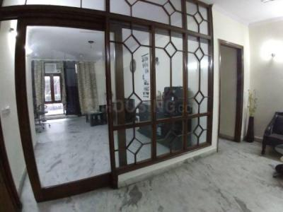 Gallery Cover Image of 1800 Sq.ft 3 BHK Independent Floor for buy in Lajpat Nagar for 26500000