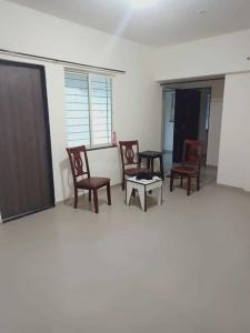 Gallery Cover Image of 950 Sq.ft 2 BHK Apartment for rent in Dhankawadi for 17000
