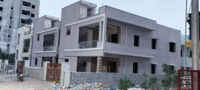 Gallery Cover Image of 2500 Sq.ft 4 BHK Independent House for buy in Pragathi Nagar for 19900000