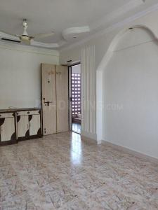 Gallery Cover Image of 575 Sq.ft 1 BHK Apartment for rent in Borivali West for 20000