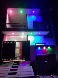 Gallery Cover Image of 1200 Sq.ft 5 BHK Villa for buy in Jalil Pur for 8500000