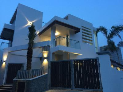 Gallery Cover Image of 2433 Sq.ft 4 BHK Villa for buy in Selaiyur for 16500000