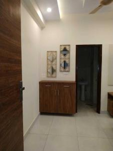 Gallery Cover Image of 625 Sq.ft 1 BHK Apartment for buy in Vihaan Galaxy, Kulesara for 1650000