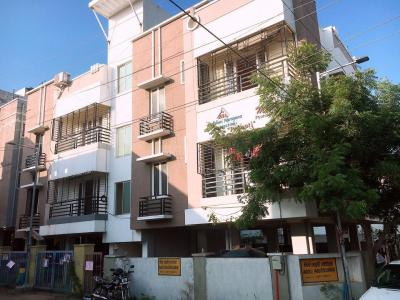 Gallery Cover Image of 1150 Sq.ft 2 BHK Apartment for rent in Velachery for 23000