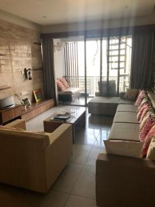 Gallery Cover Image of 2950 Sq.ft 4 BHK Apartment for rent in Bopal for 160000