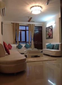 Gallery Cover Image of 3550 Sq.ft 5 BHK Apartment for rent in Zeta I Greater Noida for 50000