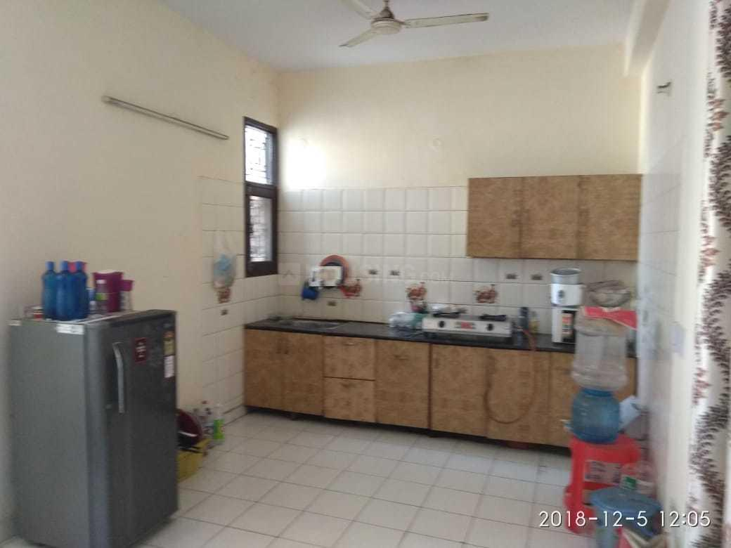Kitchen Image of 600 Sq.ft 2 BHK Independent Floor for rent in Sector 12 for 12000