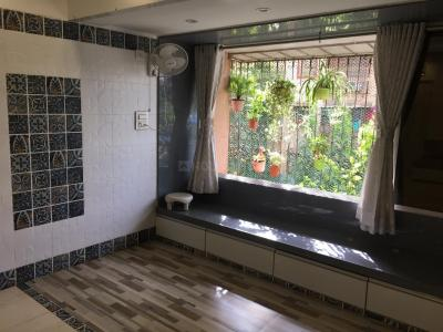 Gallery Cover Image of 1200 Sq.ft 2 BHK Apartment for rent in Andheri West for 52000