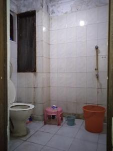Bathroom Image of PG 3806489 Sangam Vihar in Sangam Vihar