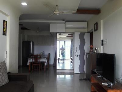 Gallery Cover Image of 1450 Sq.ft 3 BHK Apartment for rent in Kandivali West for 65000