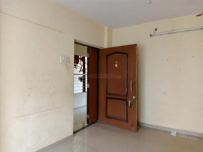 Gallery Cover Image of 665 Sq.ft 1 BHK Apartment for rent in Kandivali East for 20500