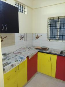 Gallery Cover Image of 900 Sq.ft 2 BHK Independent House for rent in J P Nagar 8th Phase for 12500