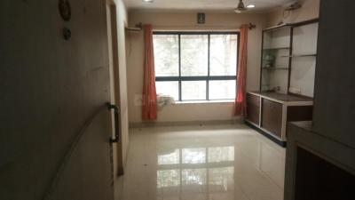 Gallery Cover Image of 1300 Sq.ft 3 BHK Apartment for rent in Lokhandwala Spring Leaf, Kandivali East for 35000