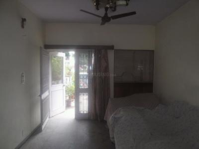Gallery Cover Image of 2000 Sq.ft 3 BHK Apartment for buy in Mayur Vihar II for 22000000