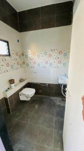 Bathroom Image of Vijay PG Home Girls Working Only in Vastrapur