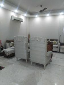 Gallery Cover Image of 2500 Sq.ft 3 BHK Independent Floor for rent in Sector 40 for 55000