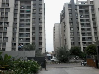 Gallery Cover Image of 1155 Sq.ft 2 BHK Apartment for rent in Savvy Solaris, Acher for 12000