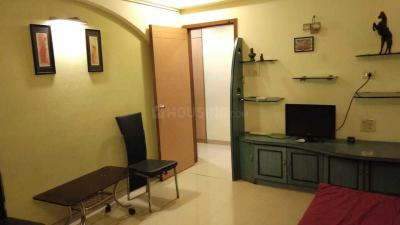 Gallery Cover Image of 658 Sq.ft 1 BHK Apartment for rent in Bandra West for 60000